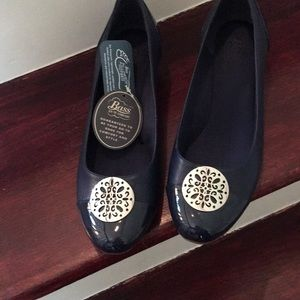 Bass Navy Patent & Leather Go To Comfort Shoes